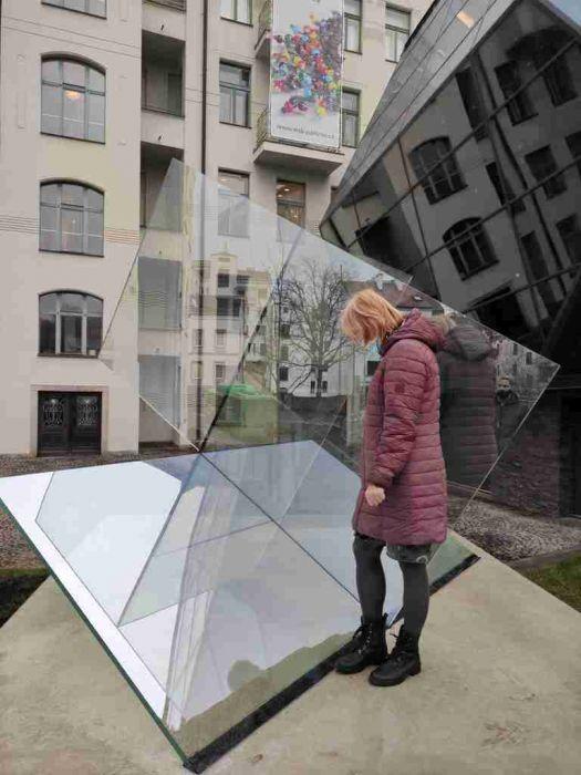 Obrázek v galerii pro Odhalení unikátní skleněné plastiky