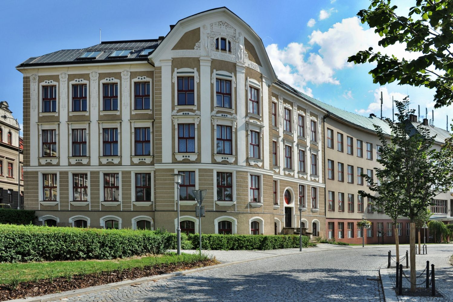 Obrázek v galerii pro Turnov: Secondary School of Applied Arts and Higher Vocational School