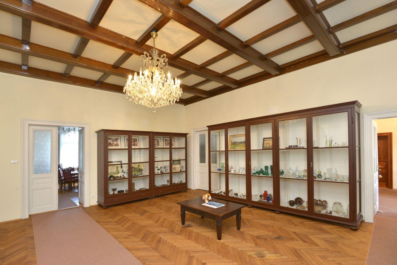 Obrázek v galerii pro Kulturní a informační středisko Riedelova vila Desná